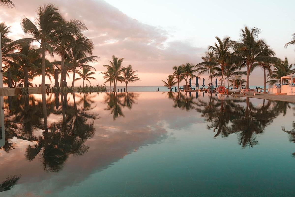 al-baleed-resort-anantara-infinity-pool-placesdelight
