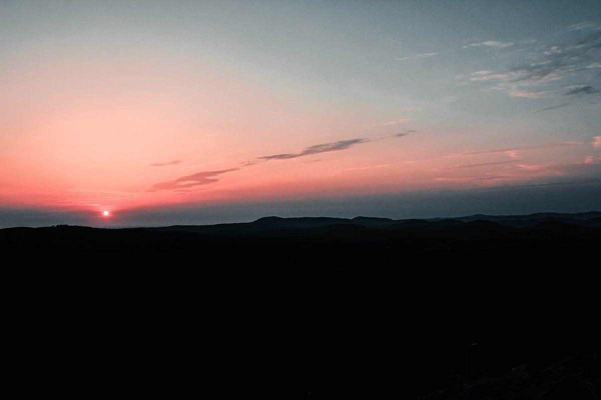 lusen-gipfel-sonnenaufgang-panorama-03