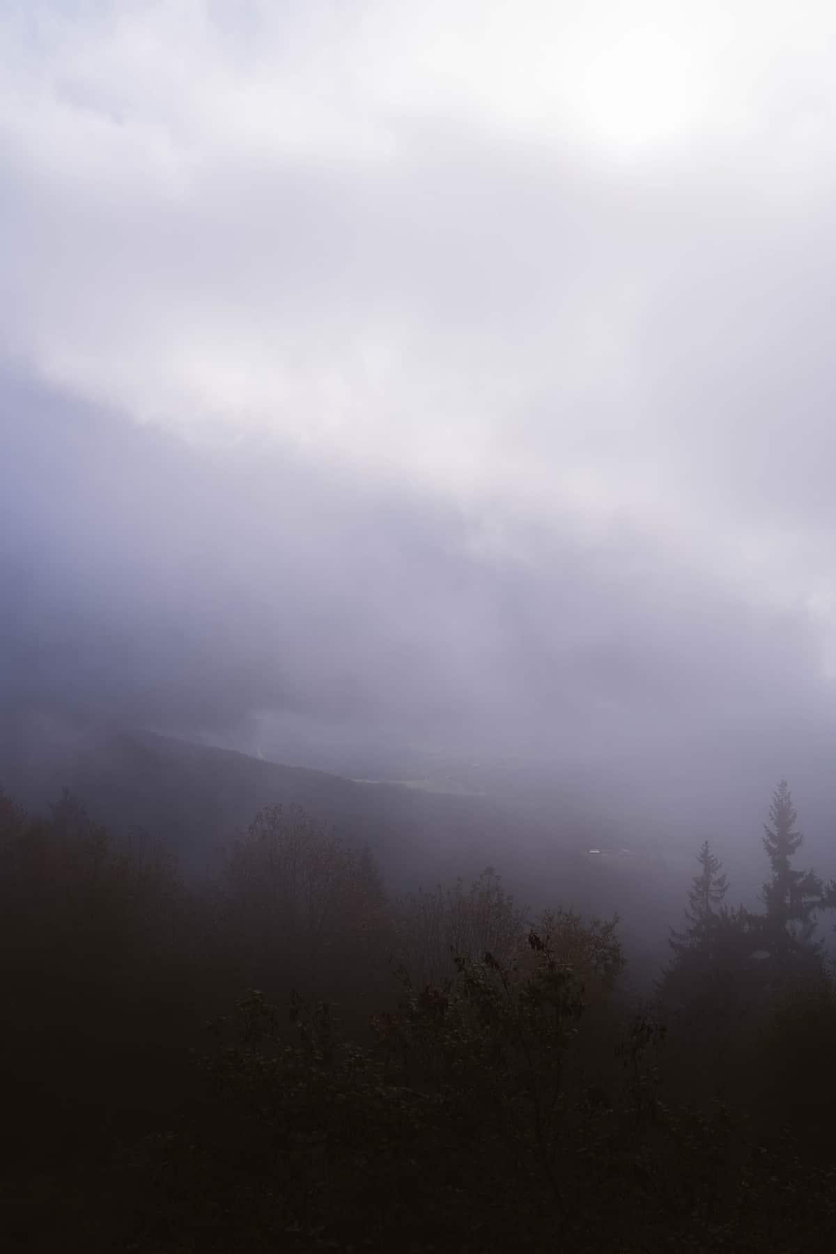 kaitersberg-koetztinger-huette-ausblick-nebel