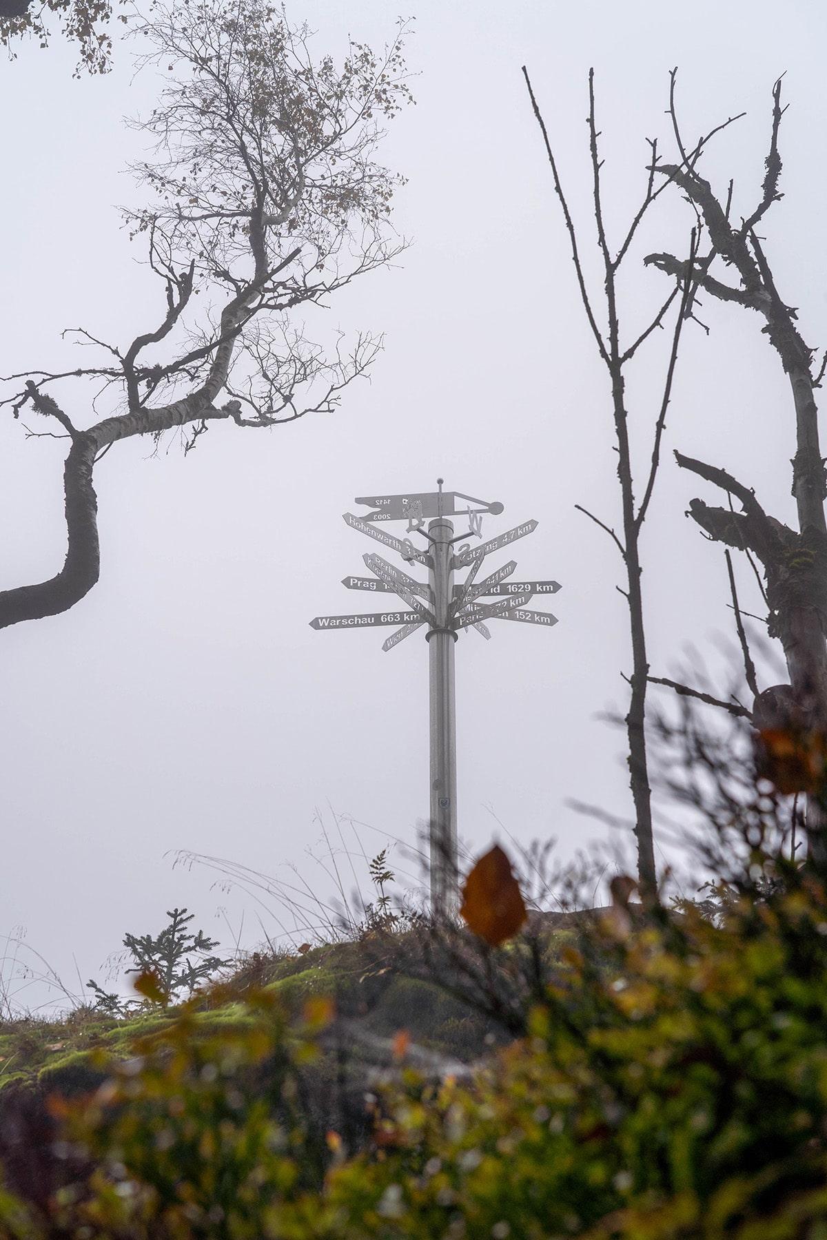 kaitersberg-nebel-schilder