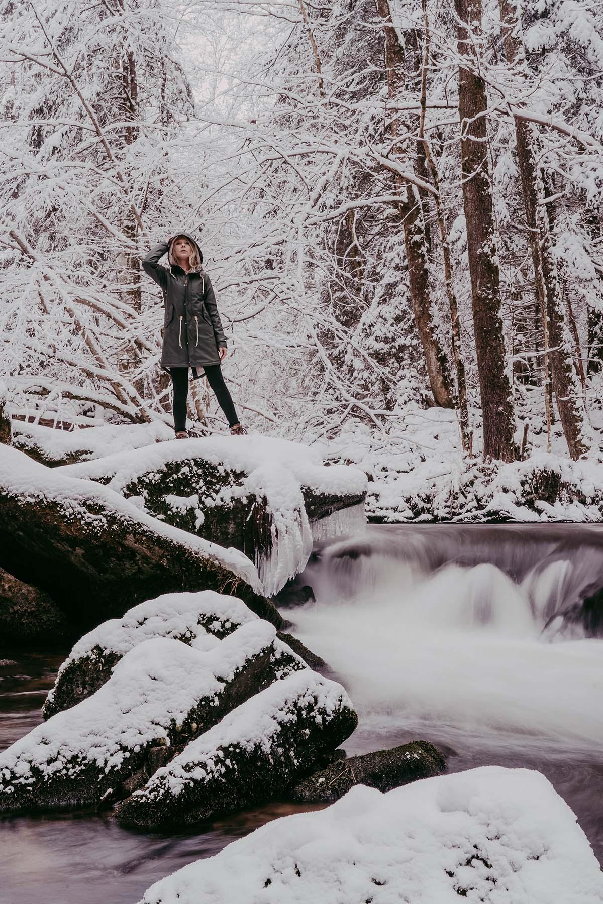 baernloch-winter-frau