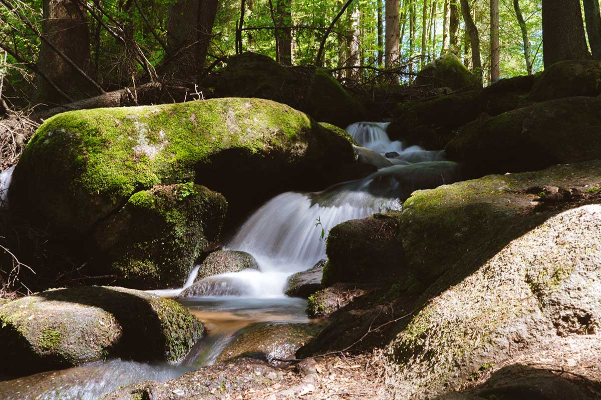 hoellbachtal-kleiner-wasserfall