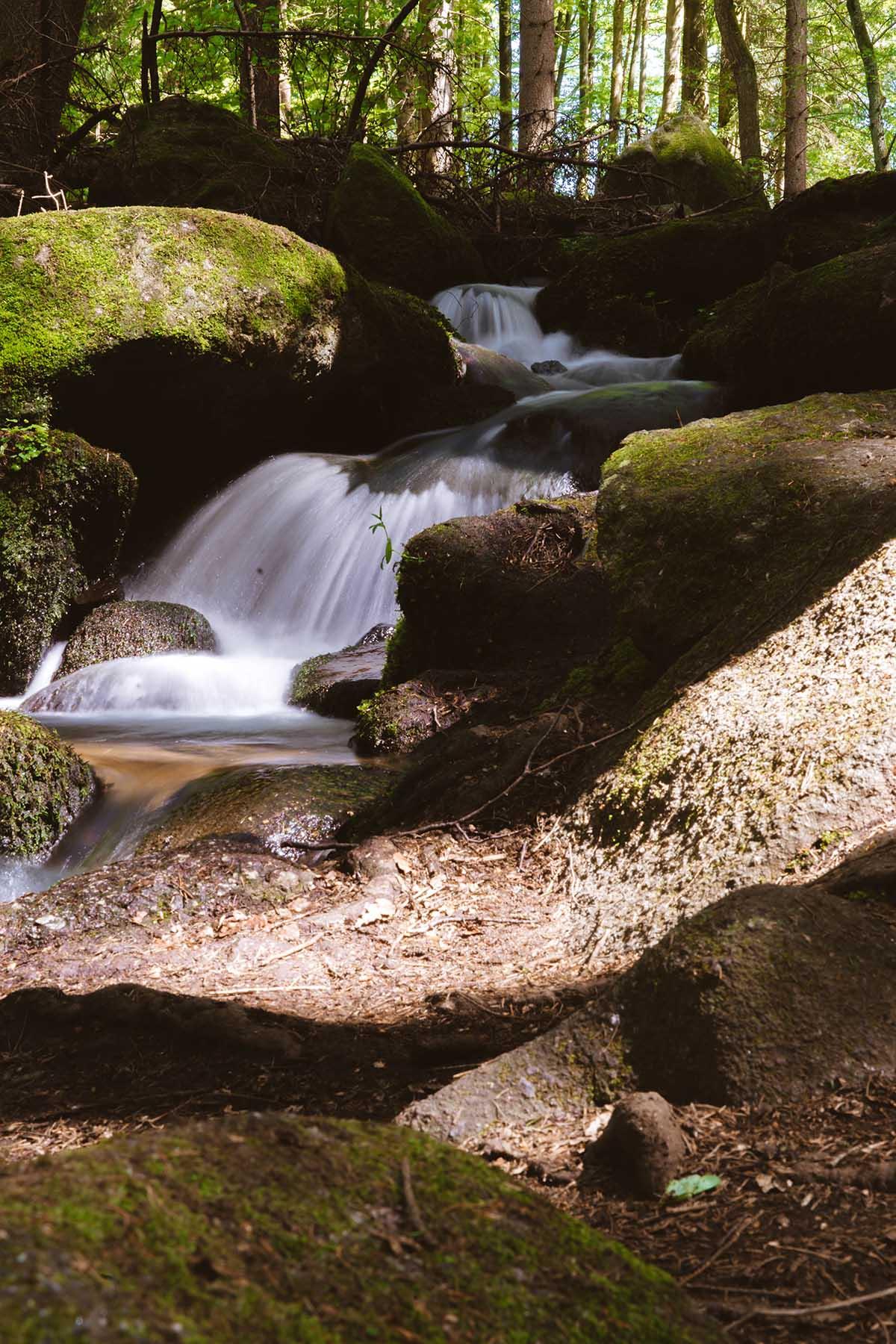 hoellbachtal-wasserfall