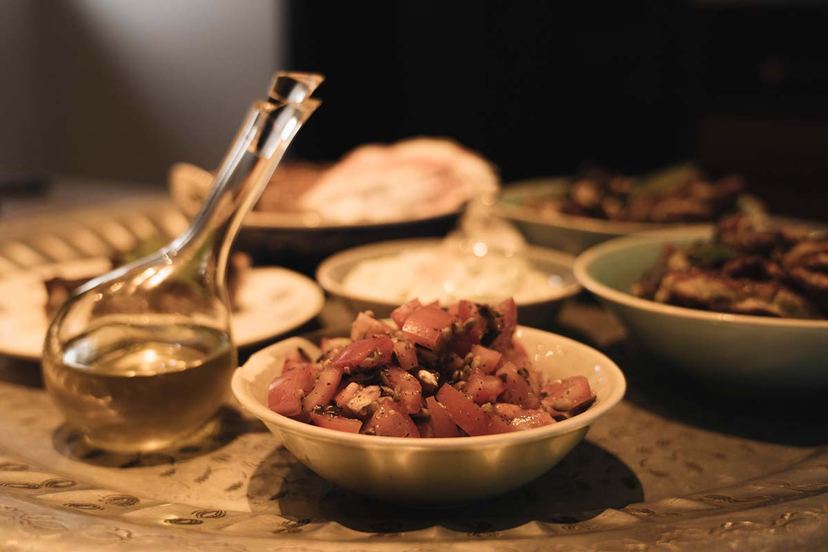 7-sentidos-chalets-bischofsmais-essen-tomatensalat-01