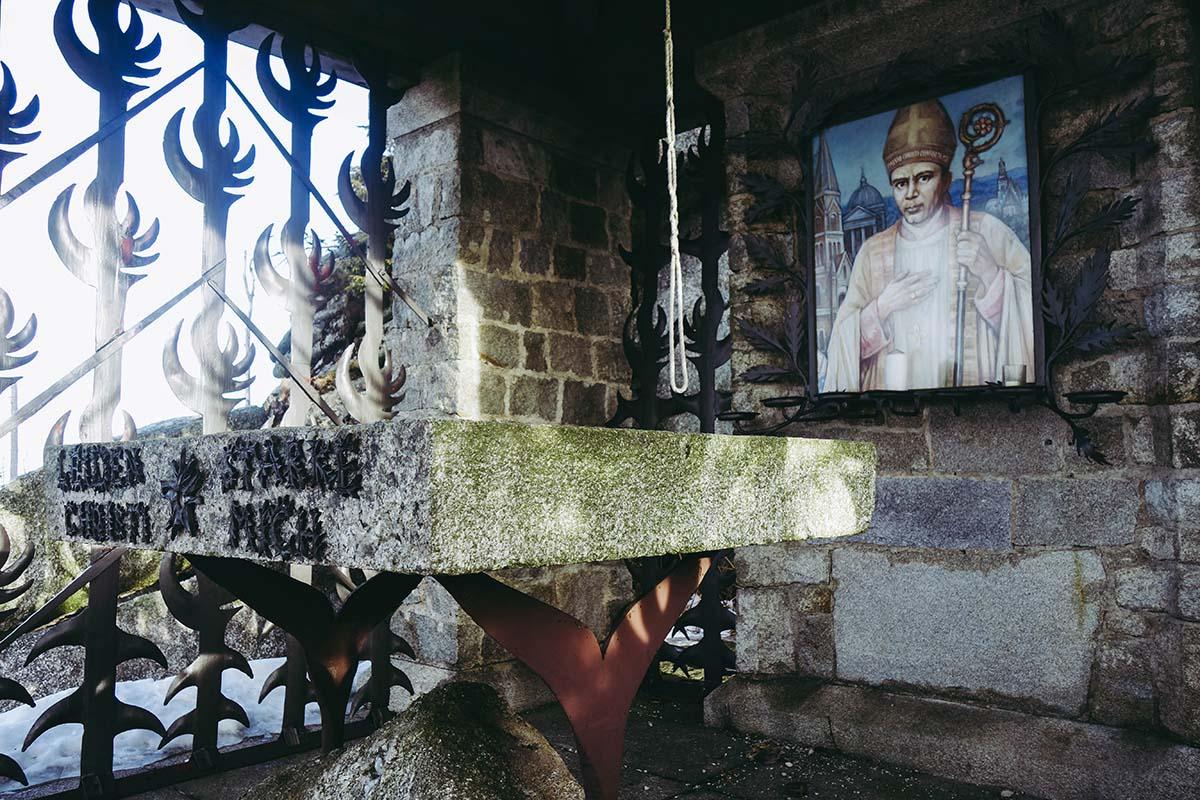 dreisesessel-wandern-kapelle-detail-03
