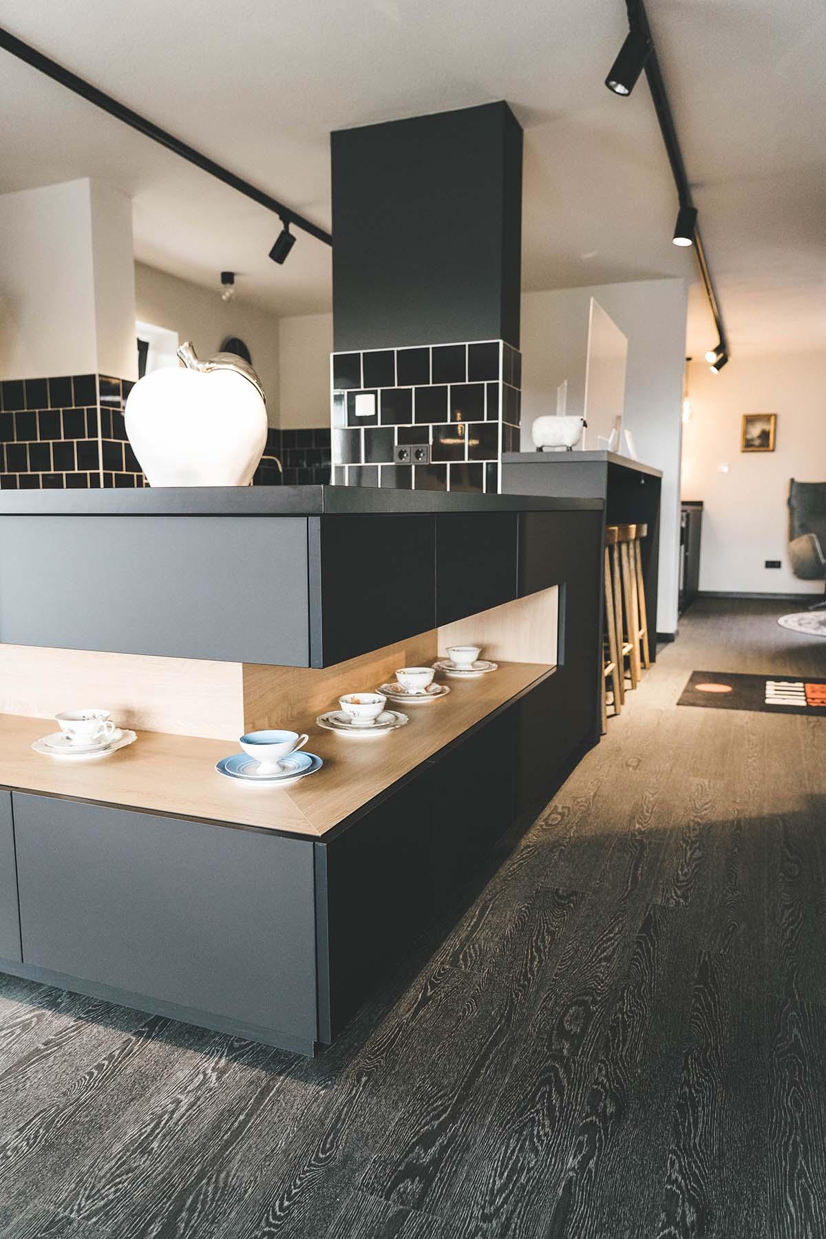 guest-house-winterfeld-bodenmais-buffet-schwarz-2