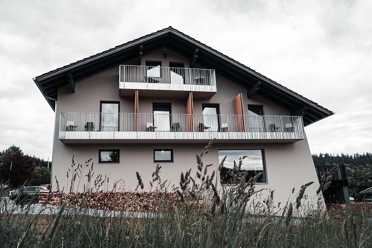 guest-house-winterfeld-bodenmais-haus-frontal