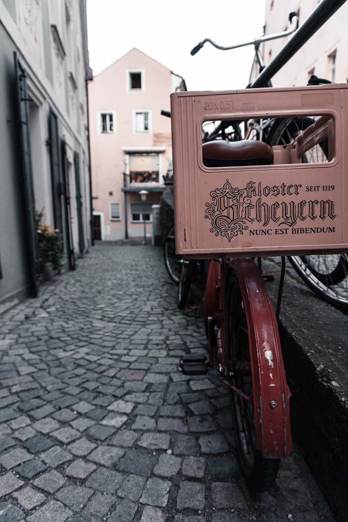 passau-fahrrad-bierkassen-gasse-01