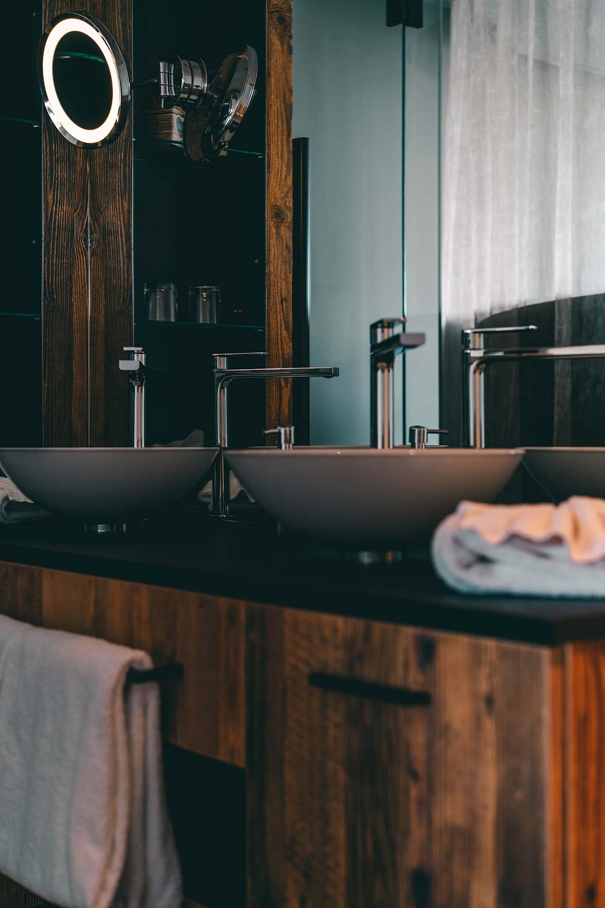 wellnesshotel-huettenhof-waschtisch
