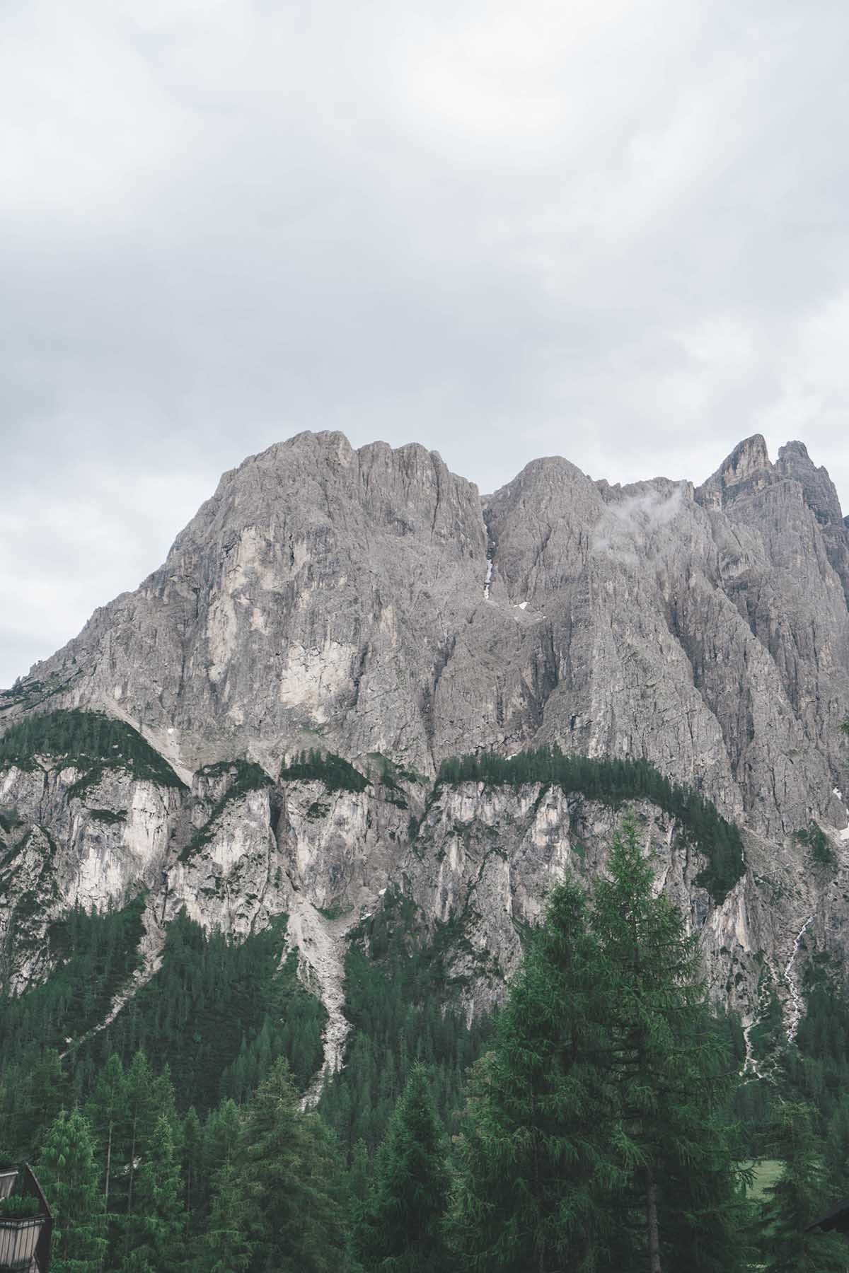 mountain-resort-kolfuschgerhof-dolomiten-blick