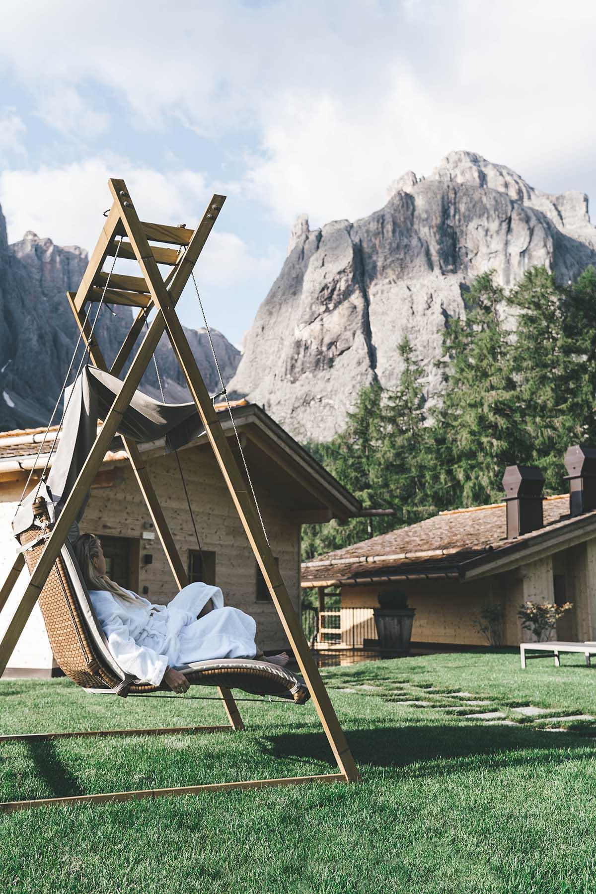 mountain-resort-kolfuschgerhof-dolomiten-spa-aussen-06