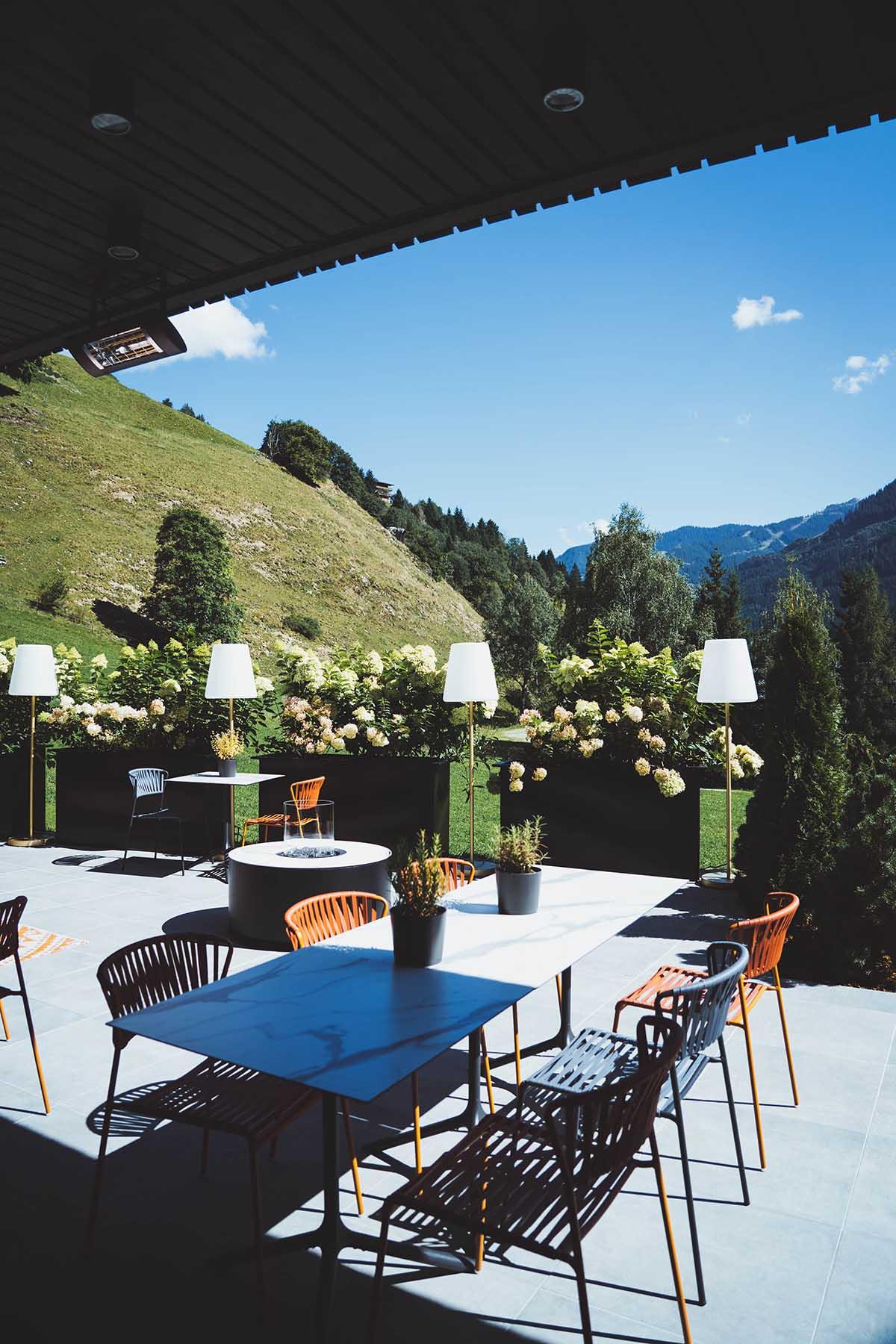 goldstueck-boutique-hotel-saalbach-hinterglemm-terrasse