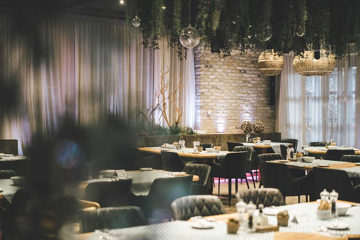 hochkoenig-lifestyle-hotel-eder-maria-alm-restaurnat-bereich